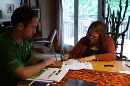 Two homeowners use Pepco's Solar Calculator tool